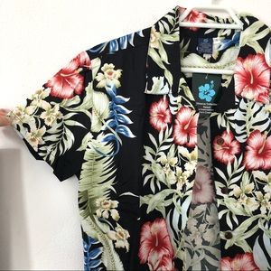 Tops - hawaiian shirt
